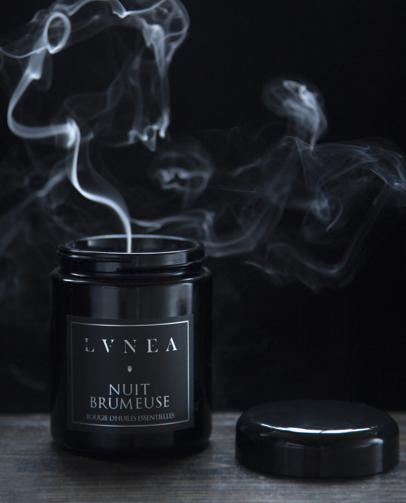 LVNEA - Nuit Brumeuse - Essential Oil Candle - Apothecary - Natural Perfume