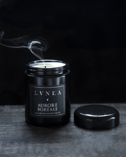 LVNEA - Aurore Boreale - Essential Oil Candle - Apothecary - Natural Perfume