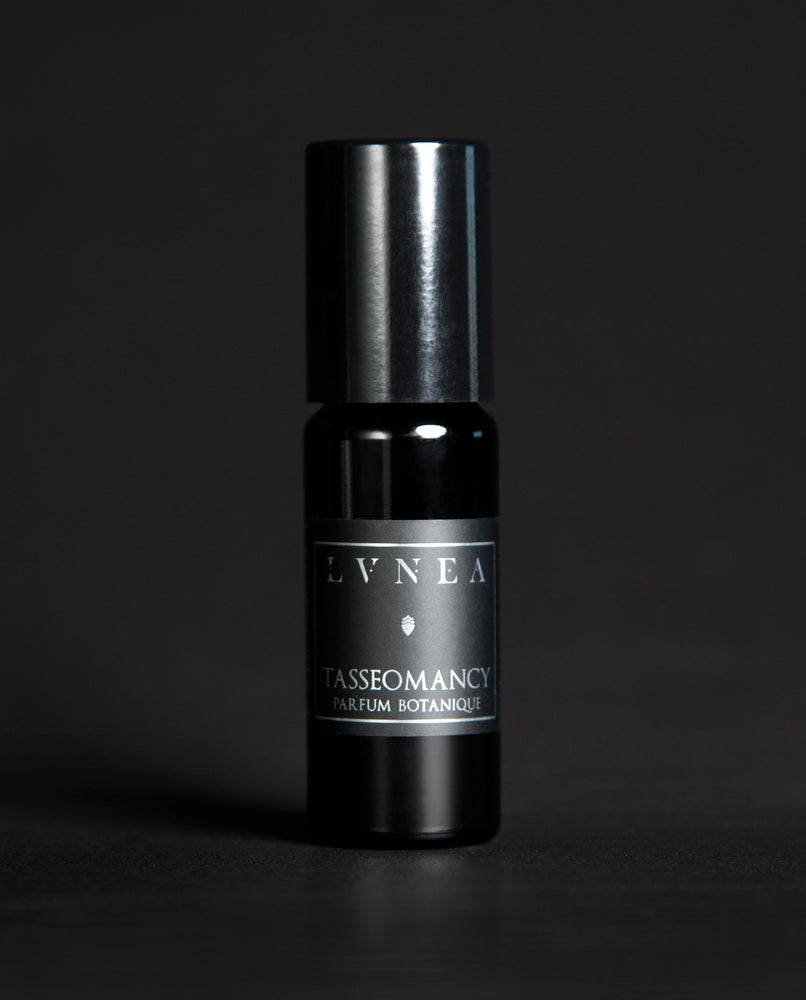 LVNEA - Natural Perfume - Tasseomancy - Botanical Oil