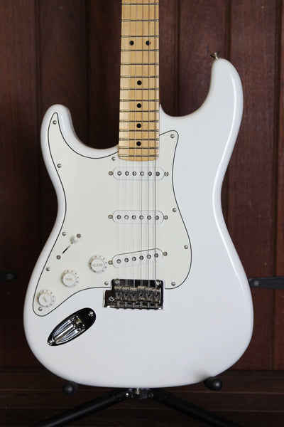 Fender Player Series Stratocaster White Left Handed Guitar