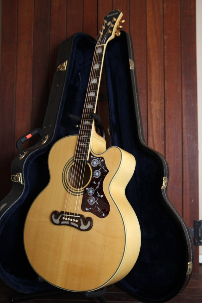 Epiphone EJ-200CE N Jumbo Acoustic Guitar Pre-Owned with Case
