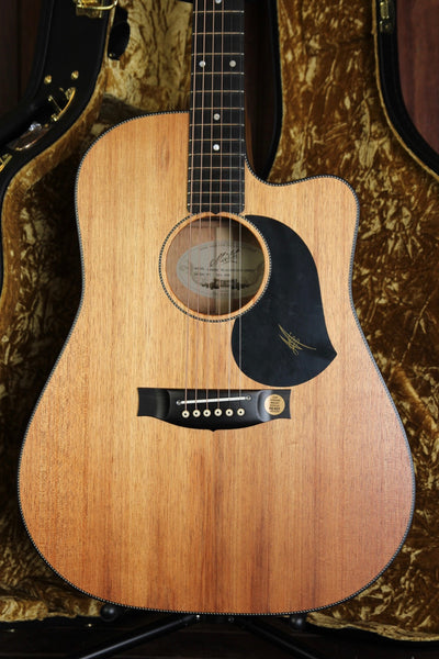 Maton EBW70C Blackwood Dreadnought Cutaway Electric Acoustic Guitar