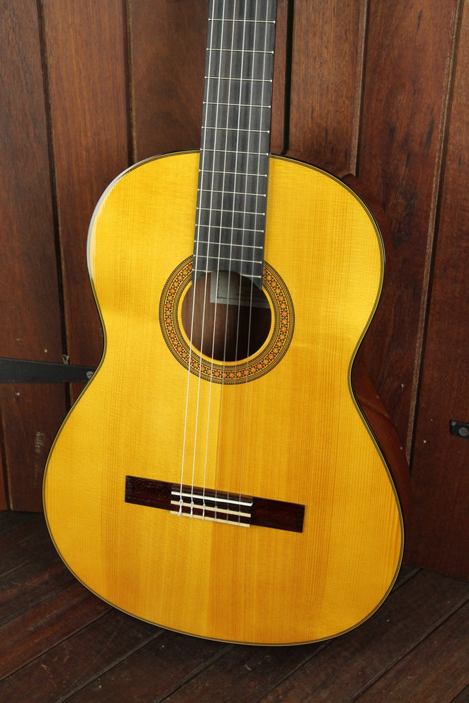Yamaha CG142 Solid Top Nylon String Guitar