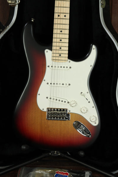 *NEW ARRIVAL* Fender USA Highway One Stratocaster Sunburst Pre-Owned