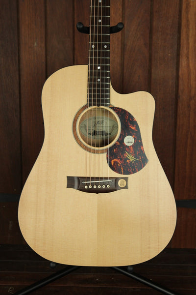 Maton SRS70C Solid Road Series Blackwood Guitar