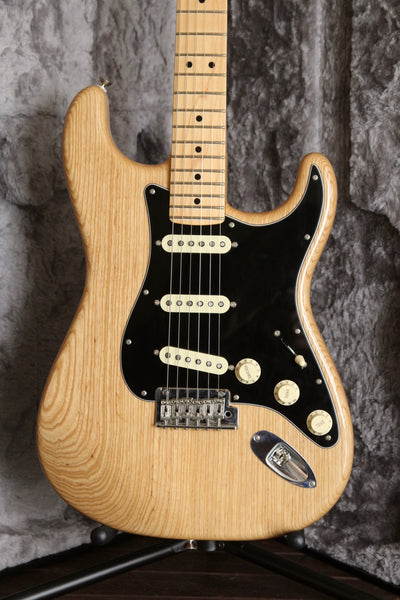 Fender American Professional Stratocaster Natural Ash 2017 Pre-Owned