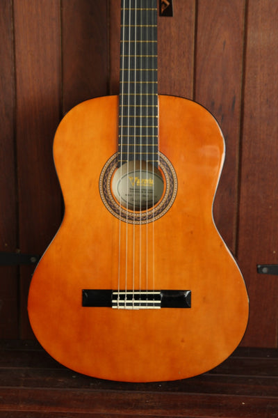 Valencia VC154K Nylon String Classical Guitar Pack 4/4 Size