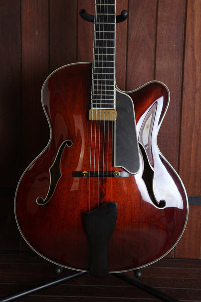 Eastman AR810CE Electric Archtop Guitar Pre-Owned