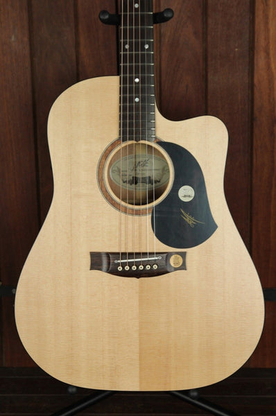 Maton SRS60C Solid Road Series Maple Guitar