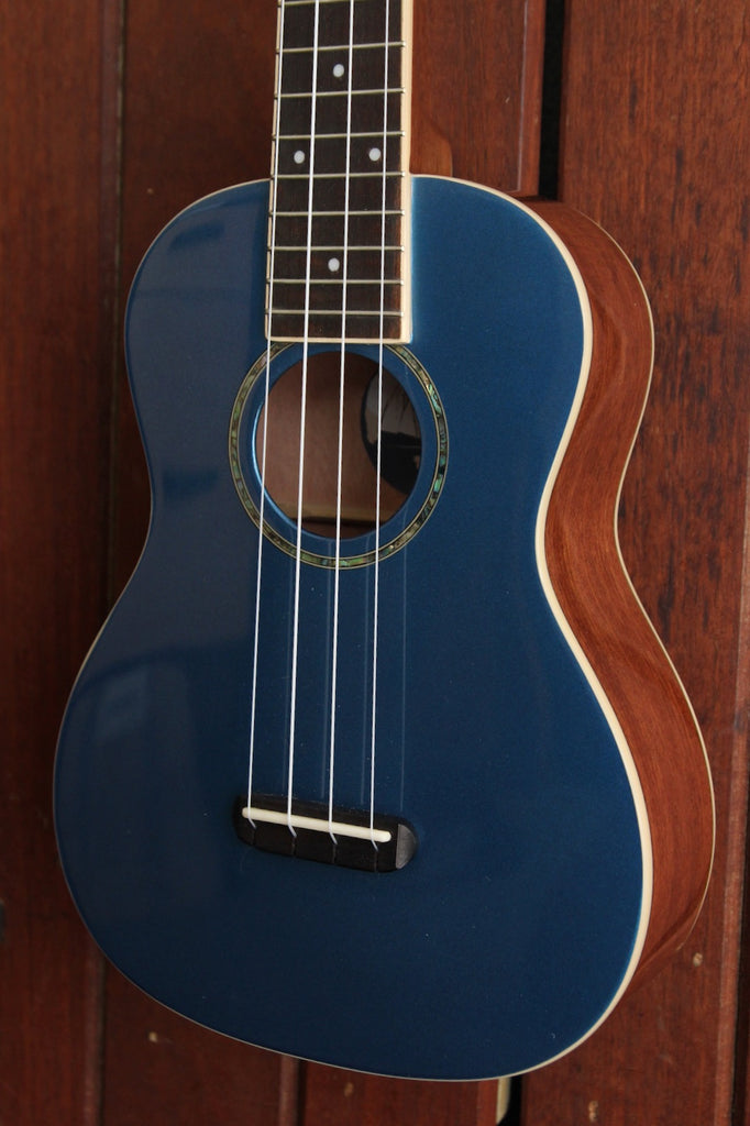 Fender Zuma Concert Ukulele Lake Placid Blue