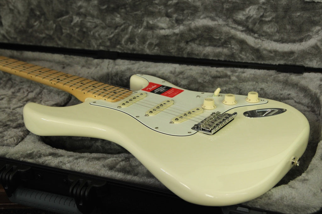 Fender American Professional Stratocaster Olympic White Maple