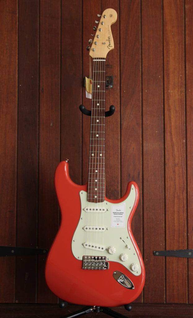 Fender Traditional II 60s Stratocaster Guitar Made in Japan Fiesta Red