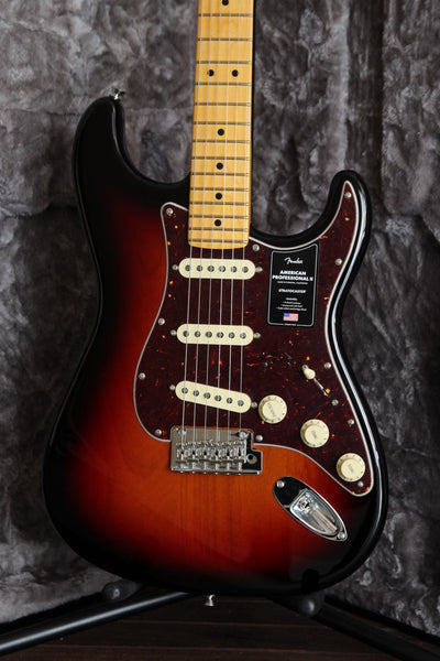 Fender American Professional II Stratocaster 3-Colour Sunburst Maple