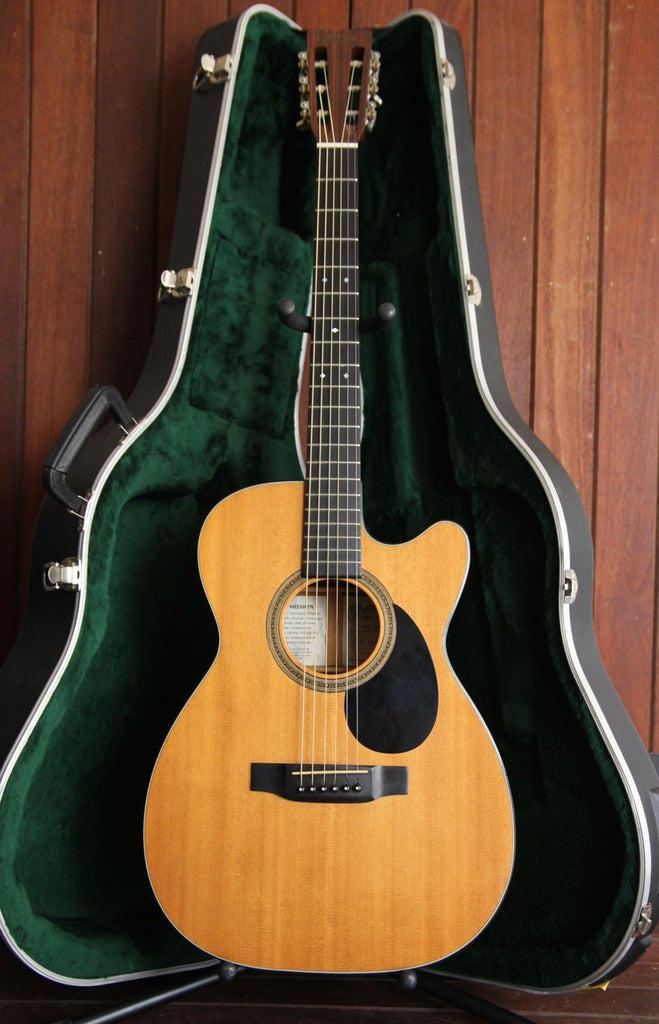 Martin 00-16DB Acoustic Guitar Pre-Owned with Case