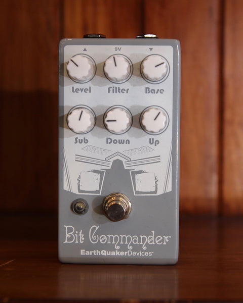 Earthquaker Devices Bit Commander Guitar Synthesizer Pedal