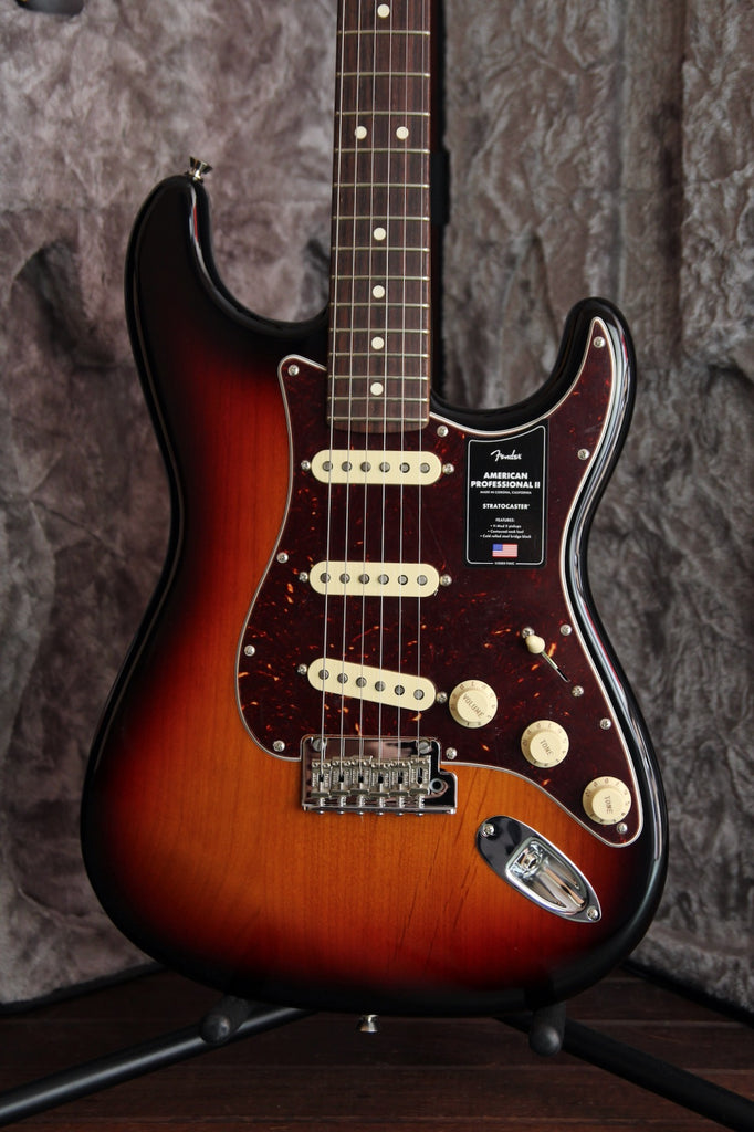 Fender American Professional II Stratocaster 3-Colour Sunburst Rosewood