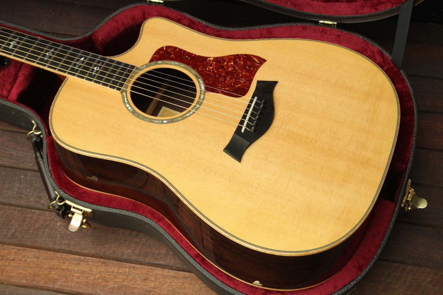 Taylor 810ce Fall Limited Madagascar Rosewood Dreadnought 2006 Pre-Owned - The Rock Inn