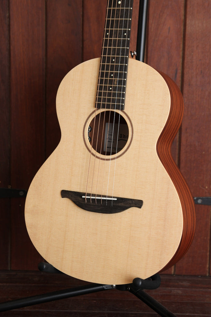 Sheeran by Lowden W-02 Spruce/Rosewood Acoustic Guitar