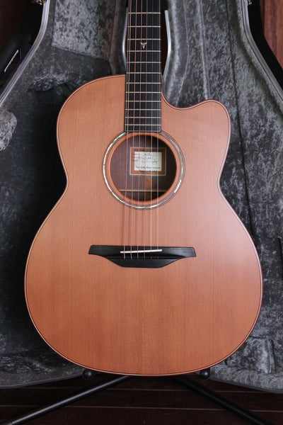 McIlroy A28C Redwood / Walnut Cutaway Acoustic Guitar