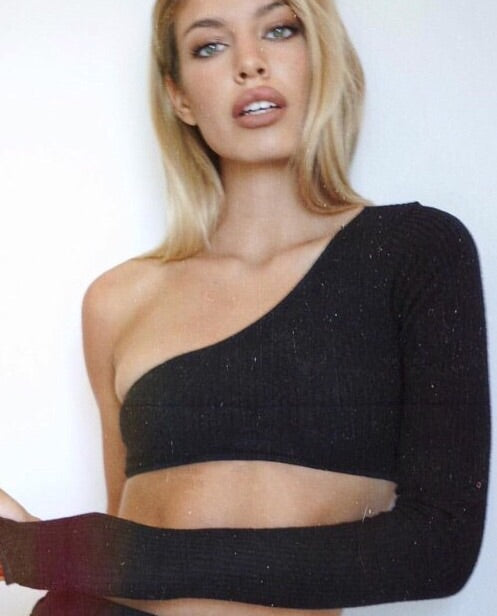 Edgy Minimal One Shoulder Cropped Top