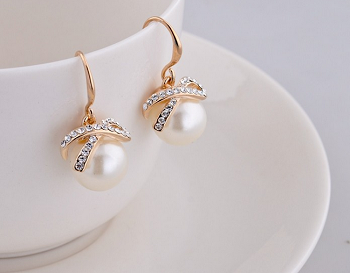 Simulated Pearl Earrings with Crystals
