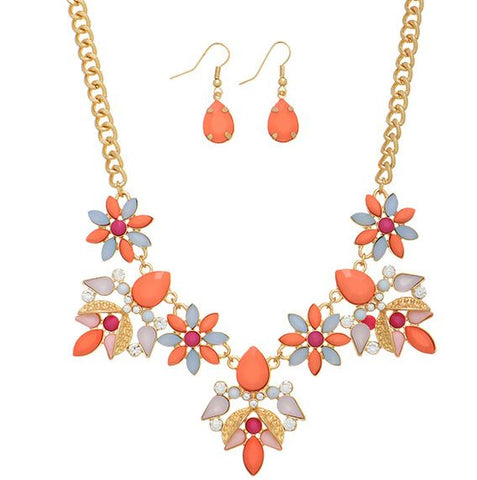 Gold Flower Tone necklace