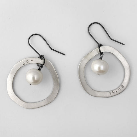 Shine & joy pearl hoop earrings