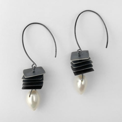 Square stacked pearl earrings