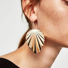 Load image into Gallery viewer, Leaf Drop Earrings-Look Love Lust
