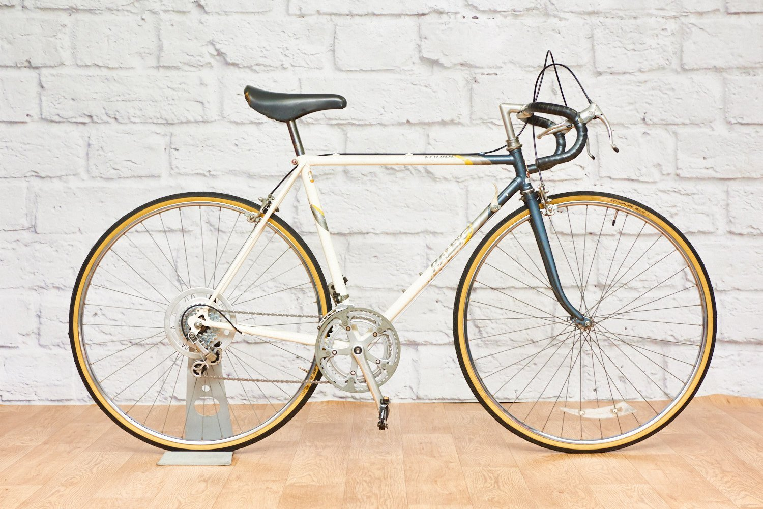 Raleigh Equipe Vintage Road Racing Bike (53cm frame)