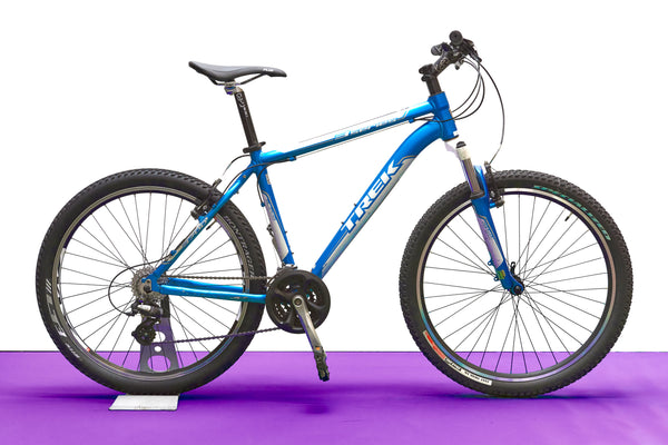 Trek 3700 Mountain Bike (Medium)