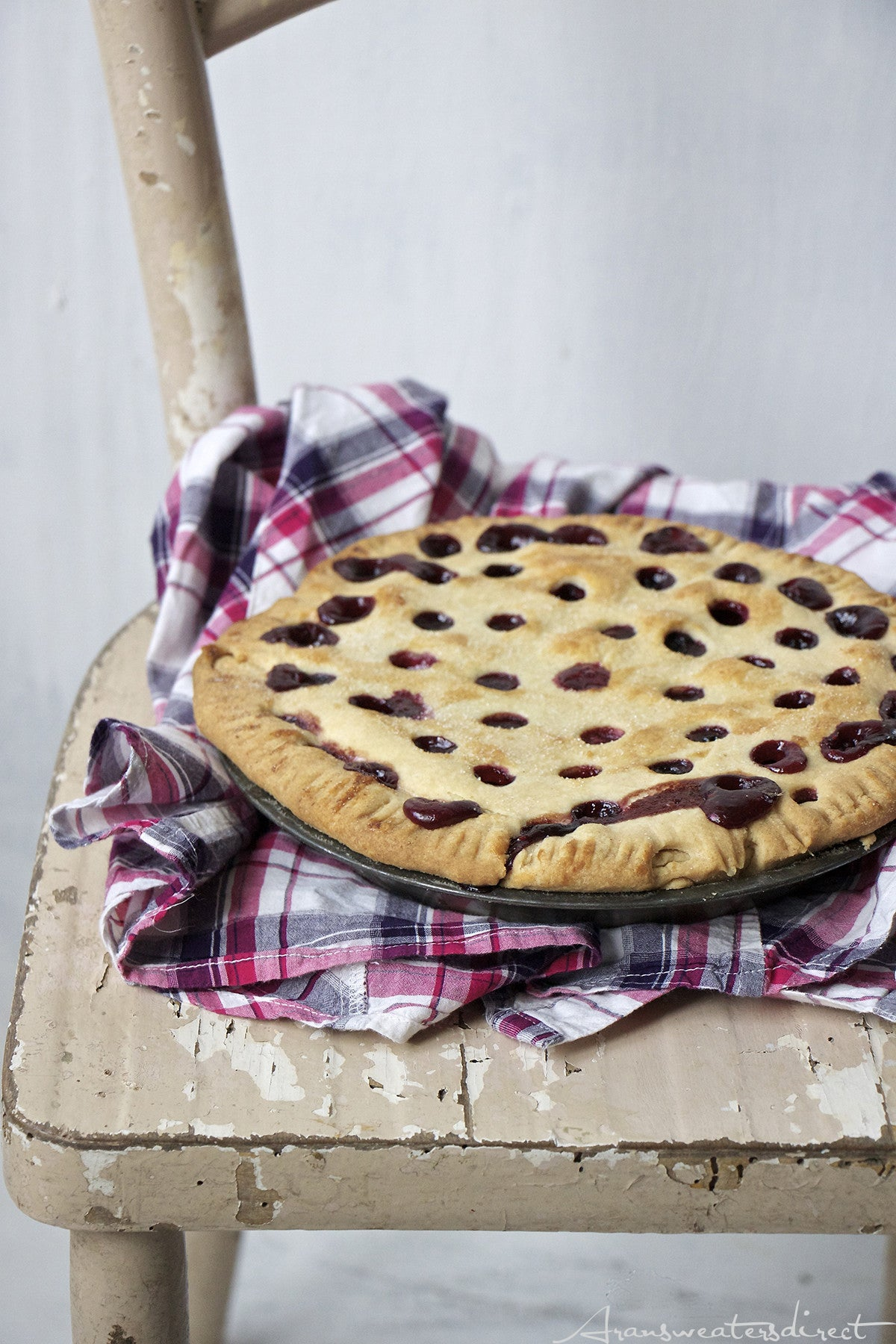 Our homemade bramble berry tart from berries we foraged in the Irish countryside. #baking #recipe #tart