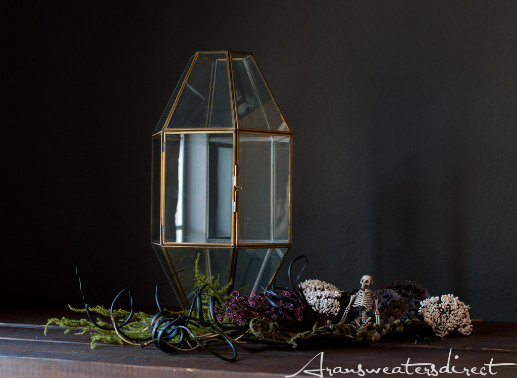 Halloween is a great time for creativity. Learn to create a spooky terrarium. #halloween #DIY #decorations