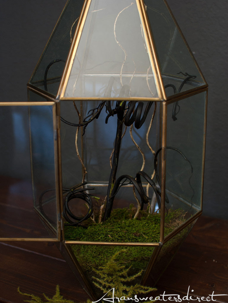 Create your own spooky terrarium (Step 3). #halloween #DIY #decorations