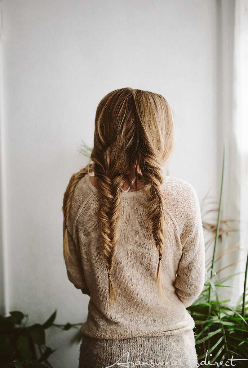 Make your hair stylish for fall with this easy fishtail braids (Step 5). #women #braided #hairstyle