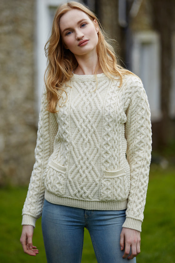 Women's Cable Crew Neck Sweater with Pockets - Natural
