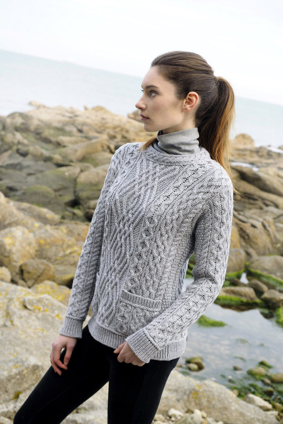 Women's Cable Crew Neck Sweater with Pockets - Soft Grey