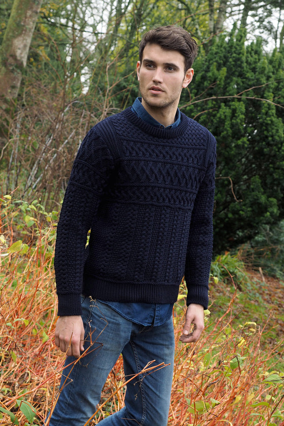 Men's Crew Neck Merino Wool Sweater - Navy