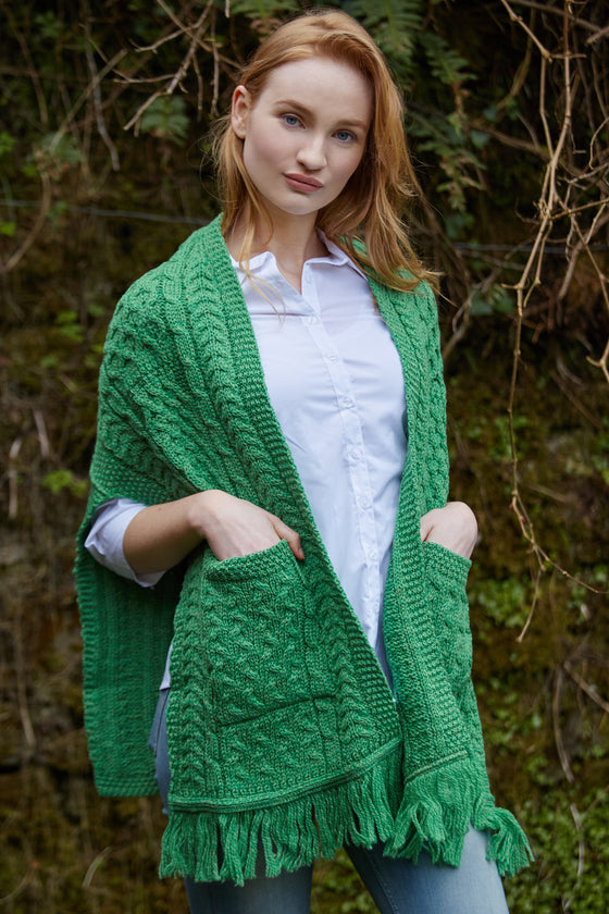 Women's Irish Cable Pattern Pocket Shawl - Marl Green
