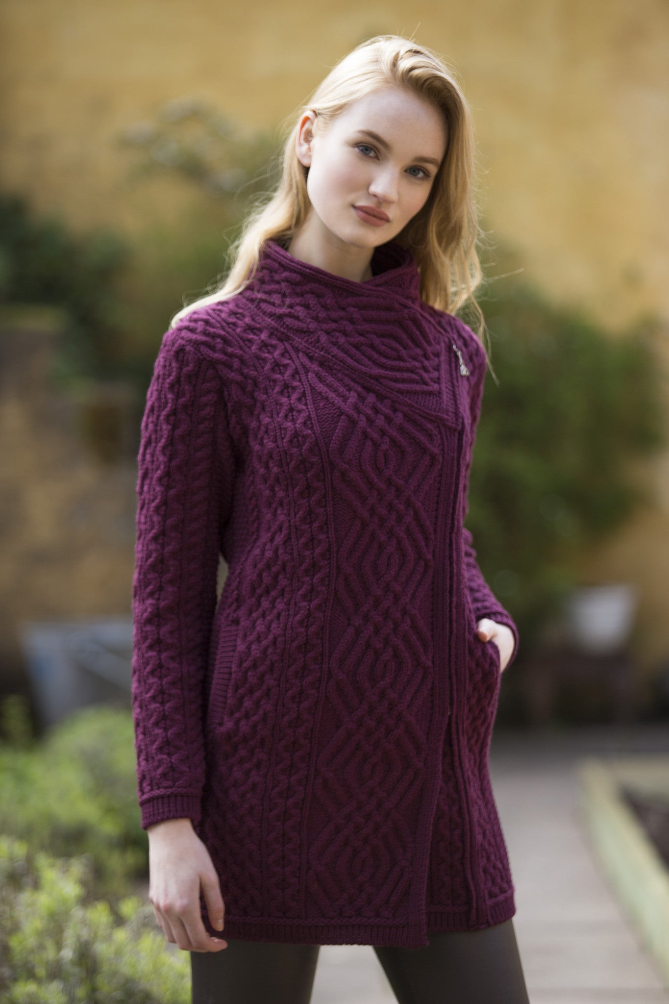 Women's Cable Knit Side Zip Coat - Wine