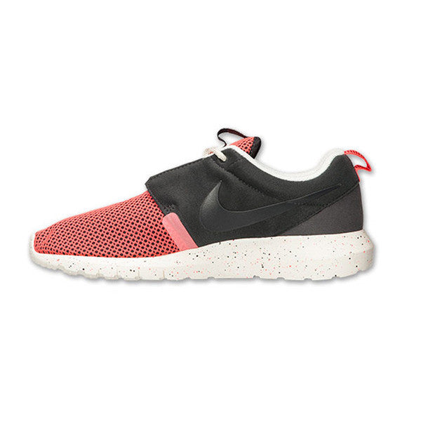 Men's Nike Rosherun NM Black/Sail/Orange