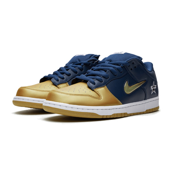 "Nike Dunk SB Low x Supreme ""Metallic Gold"""