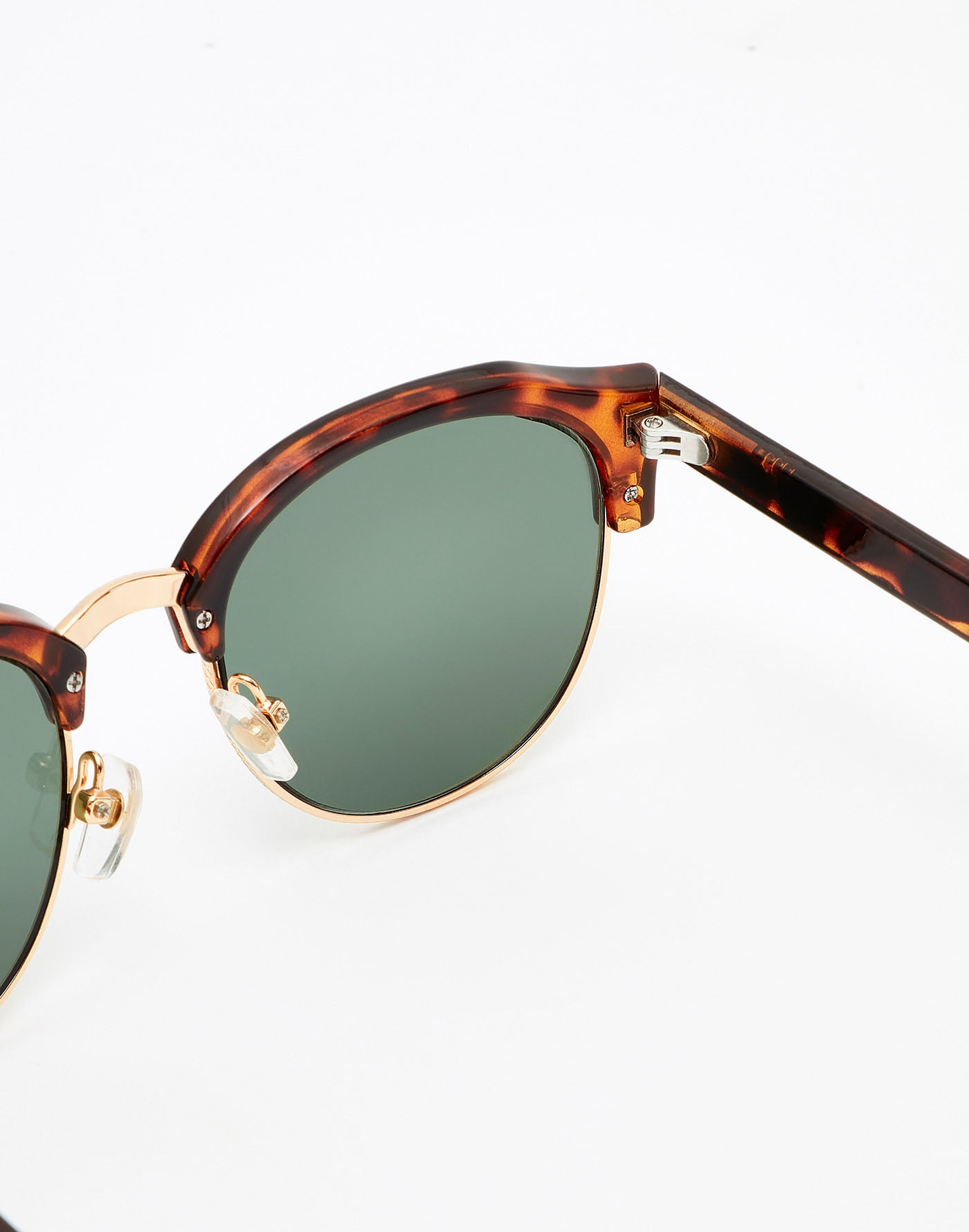 Carey · Green Bottle Classic Rounded