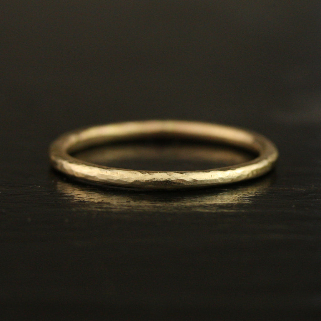 1.65mm Hammered Thin Full Round Ring - 24k