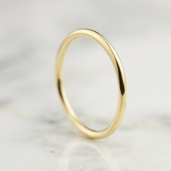 1.65mm Slim Full Round Band - 18k Gold