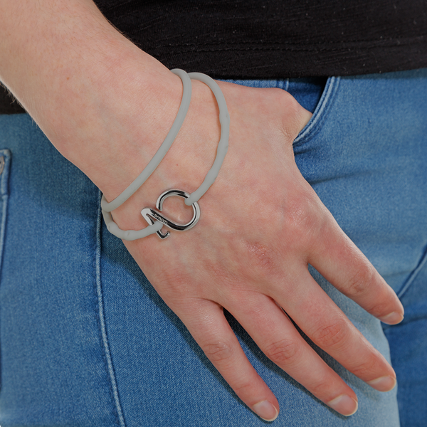 products/women-bracelet-reg-frosted-silver_1024x1024_8dd228f8-dfd6-4208-bcfa-beaffcca1c12.png