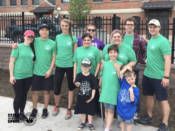 Compas_AlbanyBarn_Community_CleanUp-Groupshot