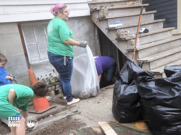 Compas_AlbanyBarn_Community_CleanUp-1