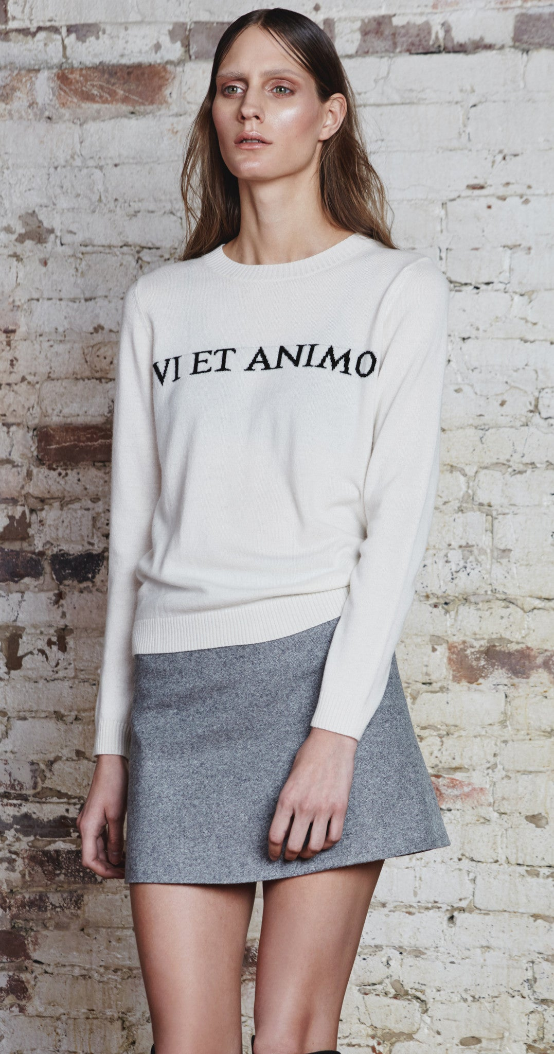 'VI ET ANIMO' Ivory Crew Neck Sweater