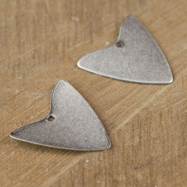 1 Hole V Arrow Pendants (8) mtl488's